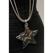 twinkle-star-necklace-2